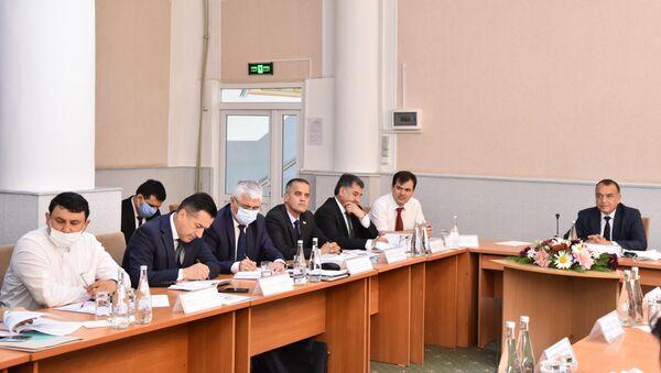 Заседание Министерства труда, миграции и занятости Таджикистана - Sputnik Таджикистан