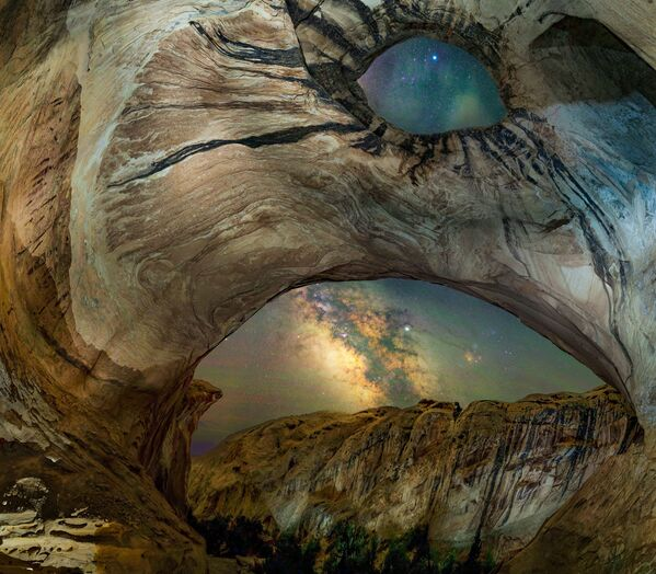 Снимок The Cave of the Wild Horses американского фотографа Bryony Richards из категории Skyscapes, попавший в шортлист конкурса Insight Investment Astronomy Photographer of the Year 2020  - Sputnik Таджикистан