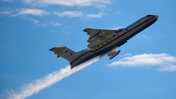 Самолет-амфибия Бе-200 - Sputnik Таджикистан