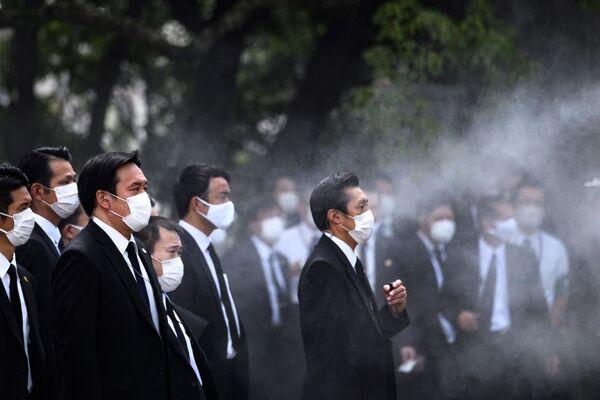 Члены правительства во время памятных мероприятий  в Нагасаки  - Sputnik Таджикистан