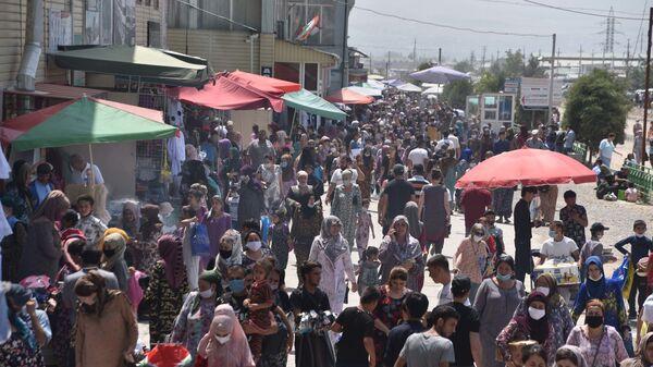В Душанбе открылась ярмарка школьных товаров - Sputnik Таджикистан