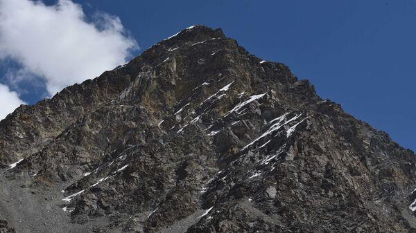 Горы в Таджикистане - Sputnik Таджикистан