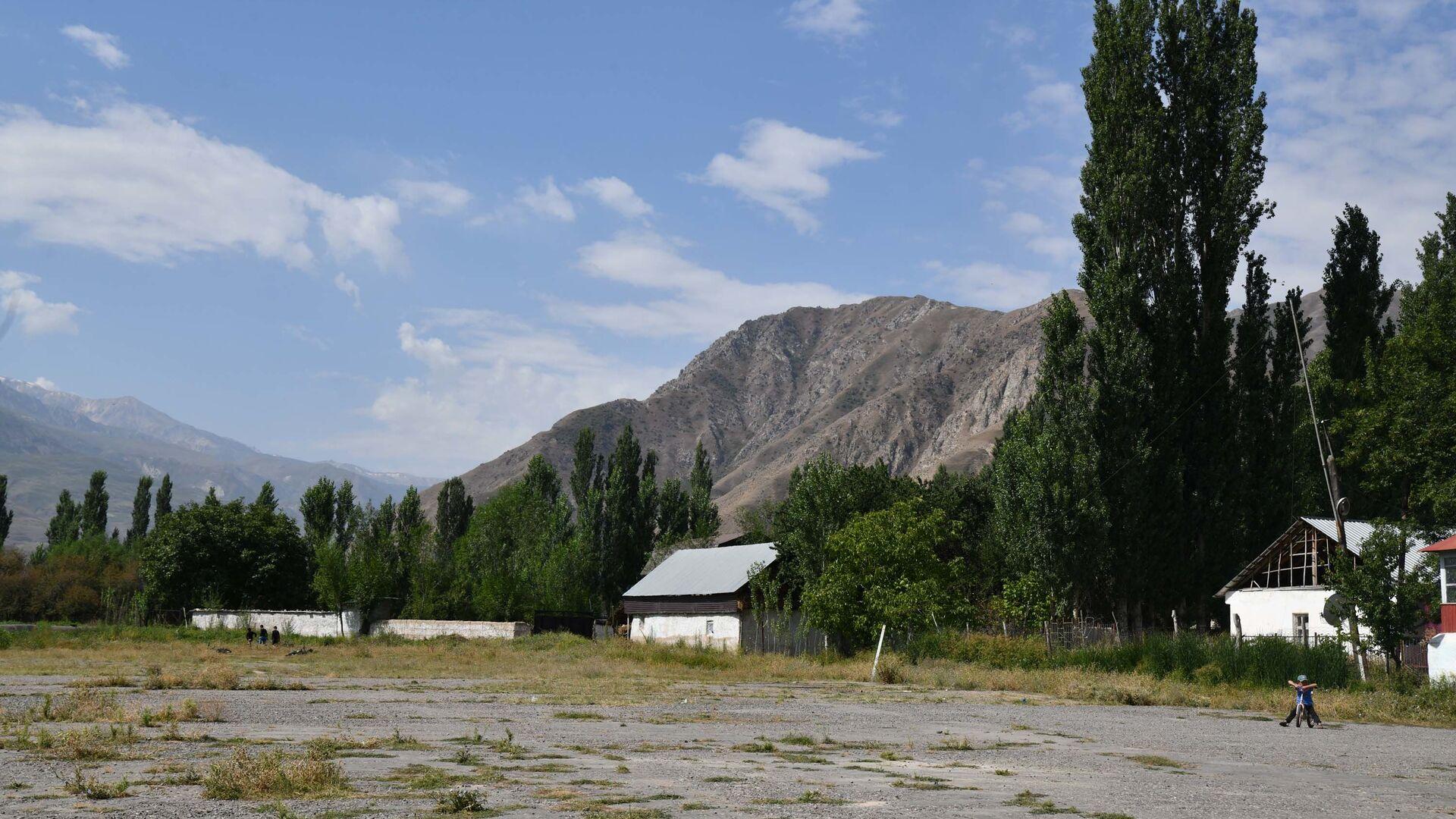 Аэропорт в Лахше - Sputnik Таджикистан, 1920, 04.06.2021