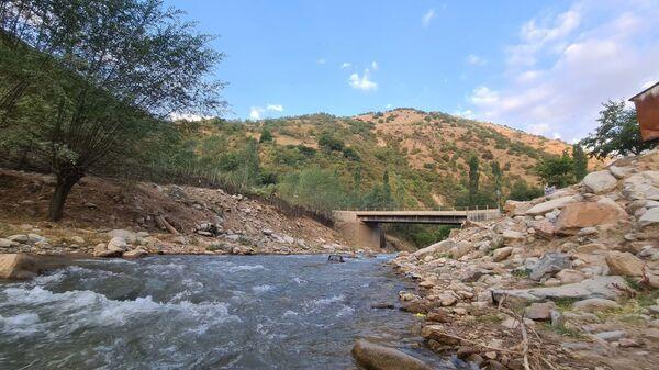 Мост через реку - Sputnik Таджикистан