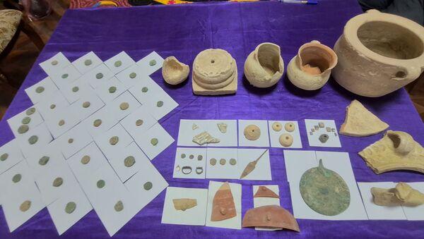 Золото царей: находки таджикских археологов - Sputnik Таджикистан