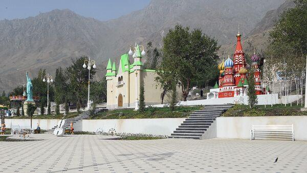 Детский парк развлечений в Дарвазе - Sputnik Таджикистан