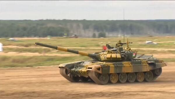 Третий заезд индивидуальной гонки Танкового биатлона АрМИ-2020 - Sputnik Тоҷикистон