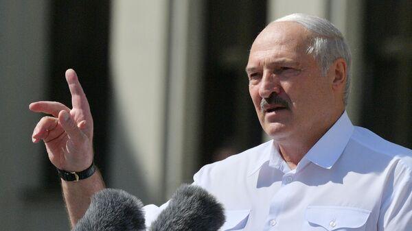 Митинг в поддержку действующего президента Белоруссии А. Лукашенко в Минске - Sputnik Тоҷикистон