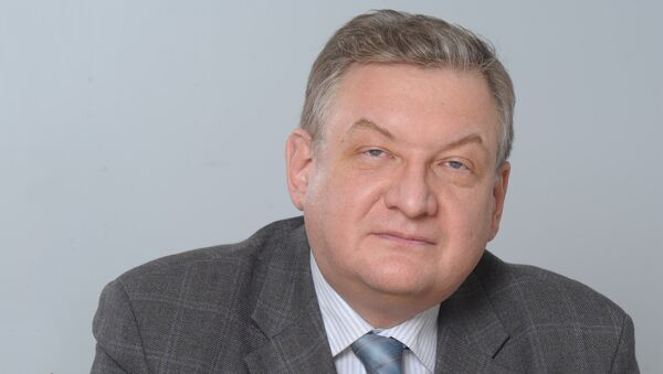 Проректор Финансового университета при Правительстве РФ Алексей  Зубец - Sputnik Таджикистан