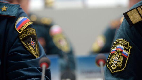 Нашивки на форме сотрудников МЧС - Sputnik Таджикистан