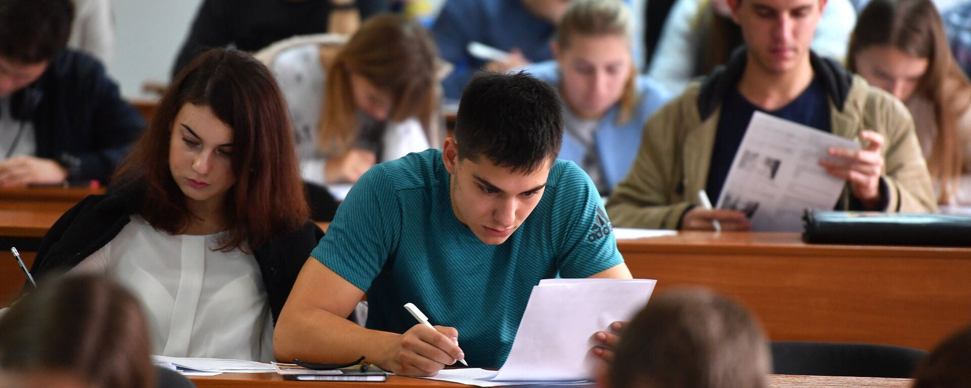 Студенты на лекции - Sputnik Таджикистан, 1920, 25.05.2021