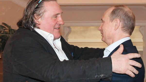Встреча президента РФ В.Путина с Жераром Депардье в Сочи - Sputnik Таджикистан