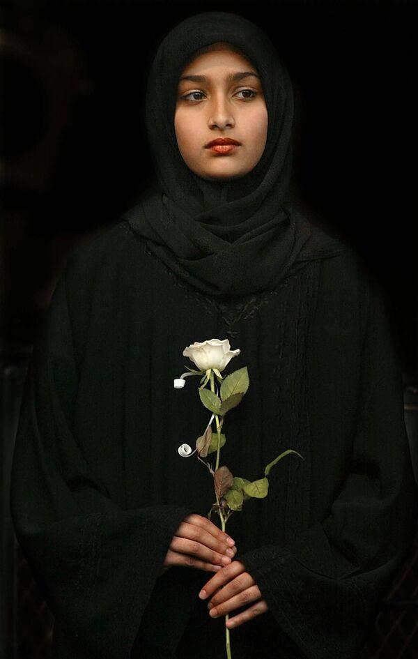 Мусульманская девушка принимает участие в церемонии открытия форума НПО в Йоханнесбурге  - Sputnik Таджикистан