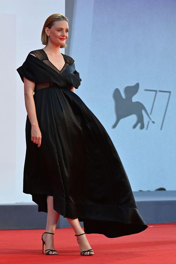 Актриса Ромола Гарай на Венецианском кинофестивале - Sputnik Таджикистан