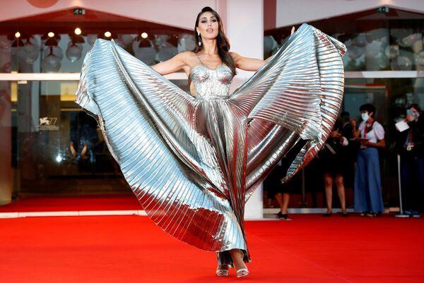Модель Сесилия Родригес на красной дорожке 77-го Венецианского кинофестиваля - Sputnik Таджикистан