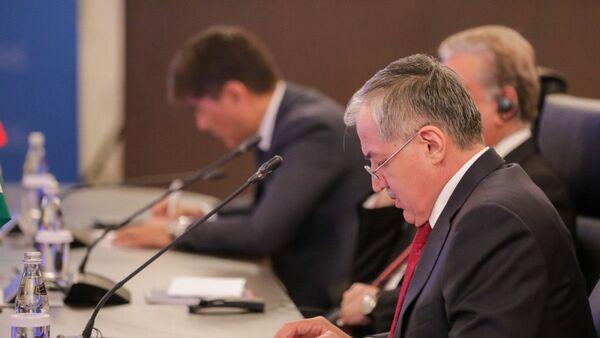 Министр иностранных дел Республики Таджикистан Сироджиддин Мухриддин  - Sputnik Тоҷикистон