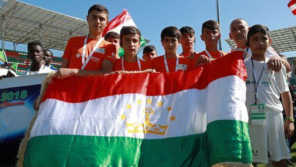 Открытие международного турнира по футболу среди детей-сирот Будущее зависит от тебя! - Sputnik Таджикистан
