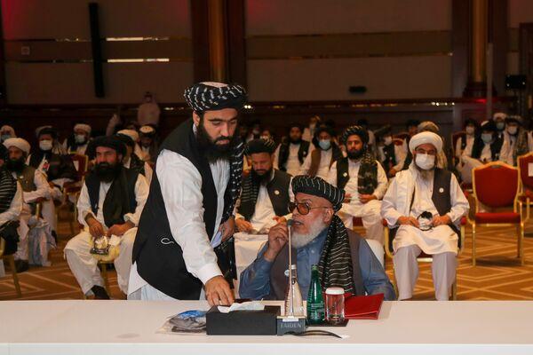Делегация движения Талибан (запрещено в РФ), прибывшая в Катар на переговоры с правительством Афганистана - Sputnik Таджикистан