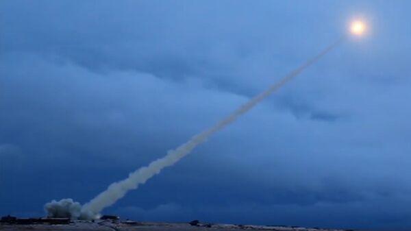 Испытания крылатой ракеты с ядерным двигателем Буревестник - Sputnik Таджикистан