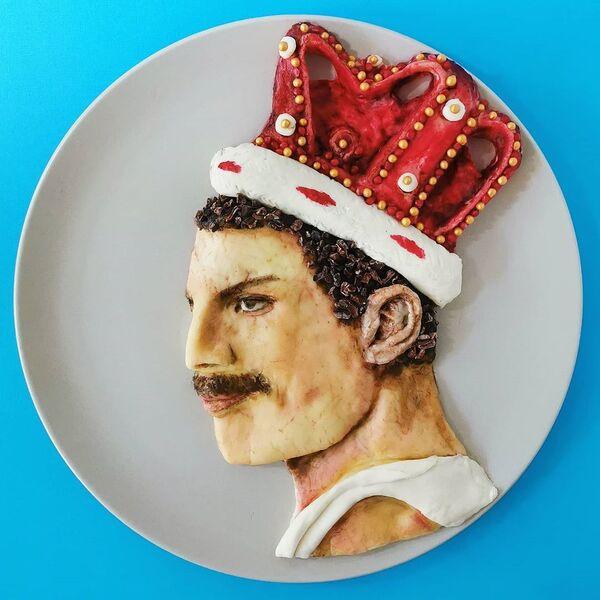 Кулинарное произведение Фредди Меркьюри бельгийской жительницы Йоланды Стоккерманс  - Sputnik Таджикистан