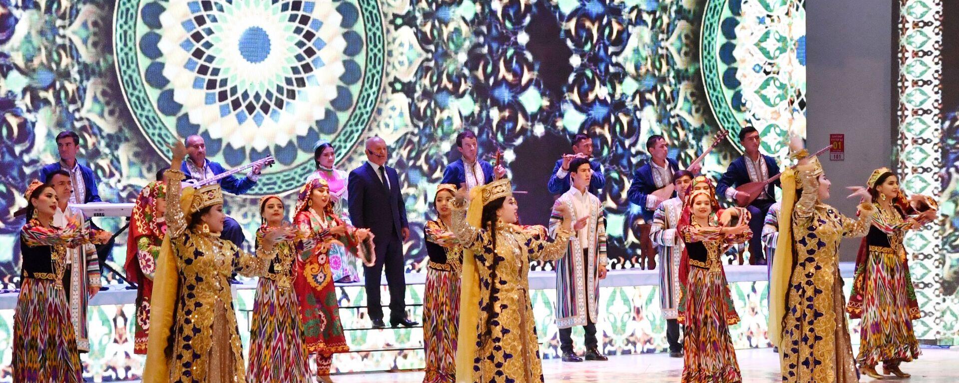 Дворец культуры в Таджикистане  - Sputnik Тоҷикистон, 1920, 02.09.2021