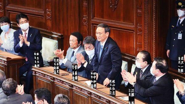 Есихидэ Суга утвержден на посту премьер-министра Японии - Sputnik Таджикистан
