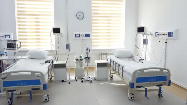 Больничная палата в Центре кардиологии и сердечно-сосудистой хирургии Согдийской области - Sputnik Таджикистан