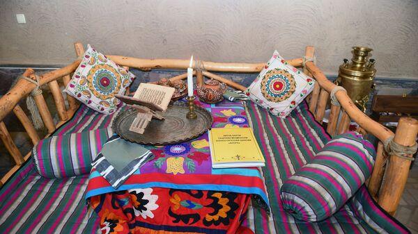 Таджикский праздничный тапчан  - Sputnik Таджикистан