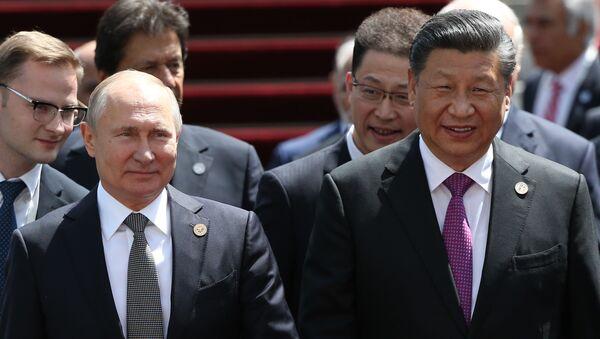 Президент РФ В. Путин принимает участие в заседании Совета глав государств – членов ШОС в Бишкеке - Sputnik Таджикистан