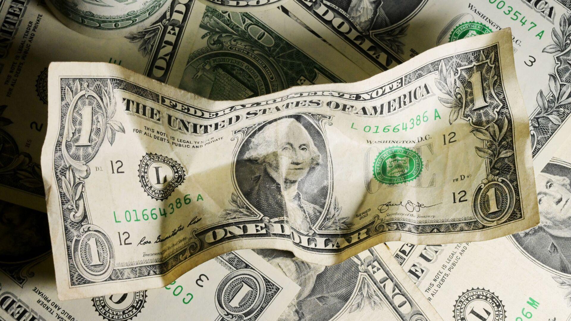 Экономист назвал главную опасность доллара