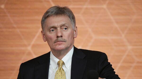 Заместитель руководителя администрации президента РФ - пресс-секретарь президента РФ Дмитрий Песков - Sputnik Таджикистан