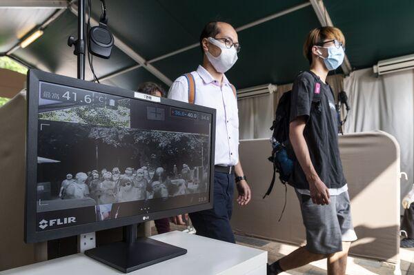 Сканер на входе Гонконгского Диснейленда - Sputnik Таджикистан