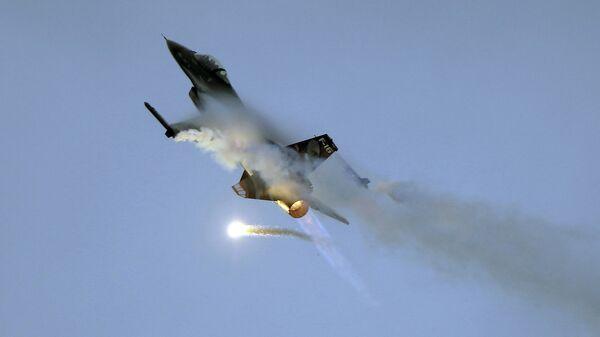 Самолет F-16 - Sputnik Таджикистан