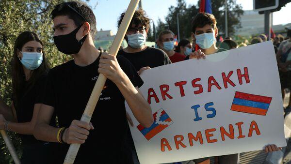Акция в поддержку Армении и Нагорного Карабаха проходит на Кипре - Sputnik Тоҷикистон