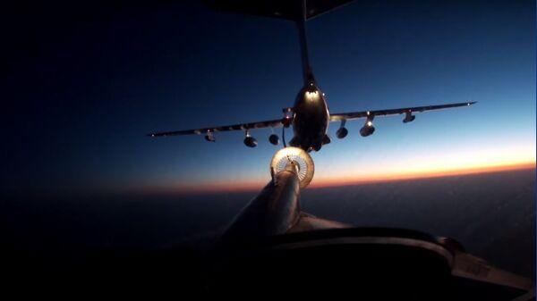 Ночная дозаправка в воздухе экипажа Ту-95МС ВКС России - Sputnik Тоҷикистон