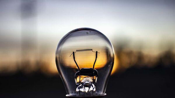 Лампочка, архивное фото - Sputnik Тоҷикистон