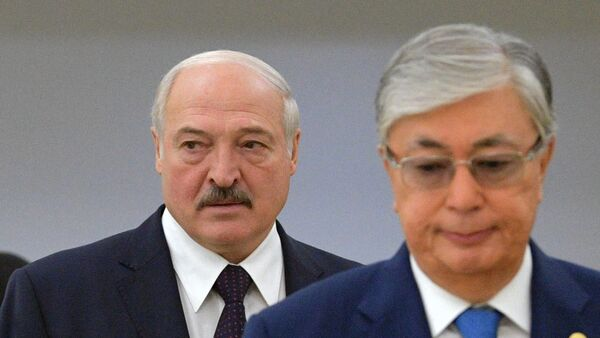 Президент Белоруссии Александр Лукашенко и президент Казахстана Касым-Жомарт Токаев  - Sputnik Таджикистан