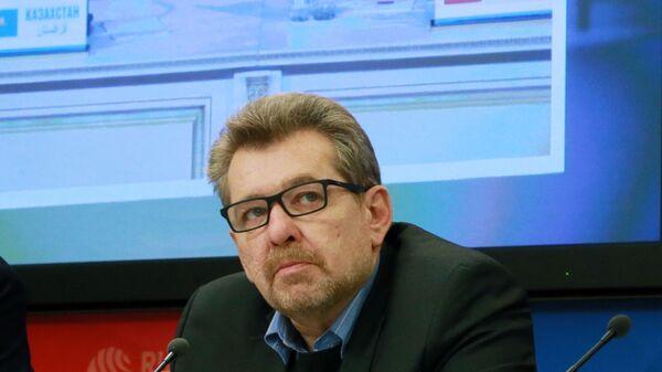 Заведующий отделом Средней Азии и Казахстана Института стран СНГ Андрей Грозин - Sputnik Тоҷикистон