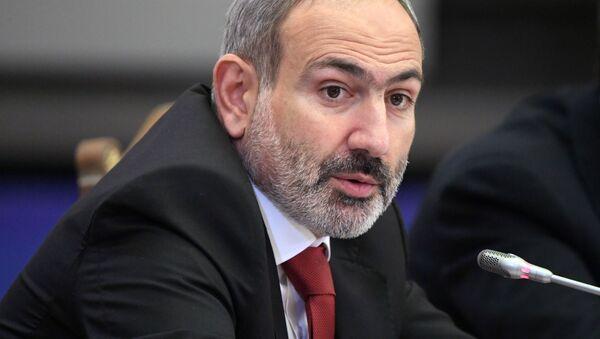 Премьер-министр Армении Никол Пашинян - Sputnik Тоҷикистон