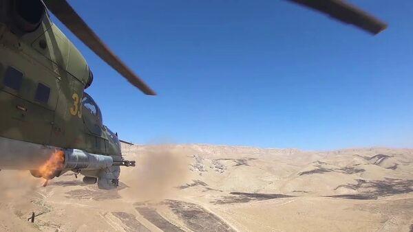 Поддержка с воздуха: стрельбы вертолетов Ми-24 в Таджикистане - YouTube - Sputnik Тоҷикистон