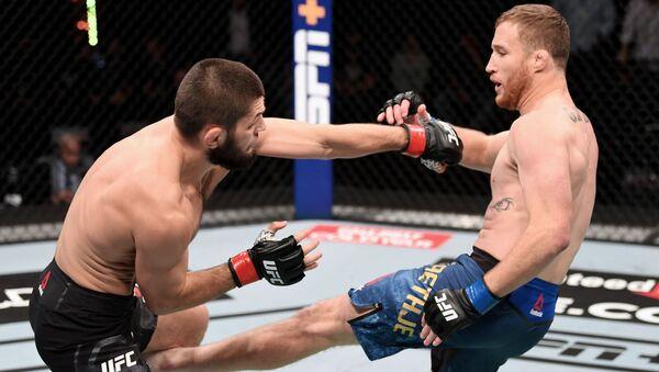 Хабиб Нурмагомедов защитил титул чемпиона UFC в легком весе - Sputnik Тоҷикистон