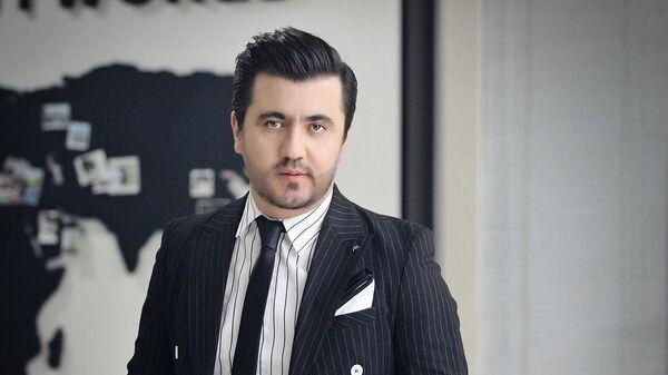 Певец Валиджон Азизов - Sputnik Тоҷикистон