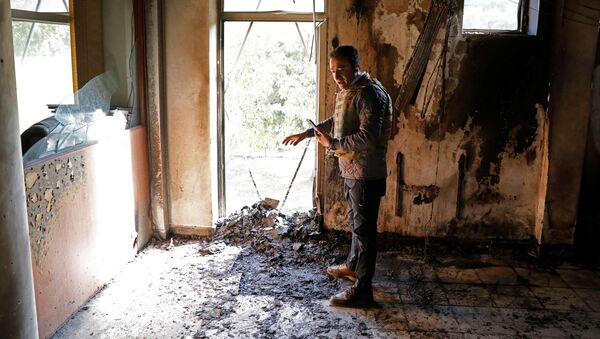Афганский журналист в прямом эфире после нападения на университет в Кабуле, Афганистан - Sputnik Тоҷикистон