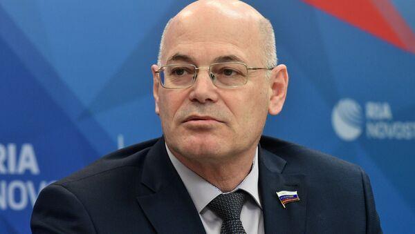 Член Комитета СФ по социальной политике Владимир Круглый - Sputnik Таджикистан