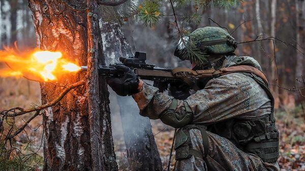 Военные учения в нижегородский лесах - Sputnik Таджикистан