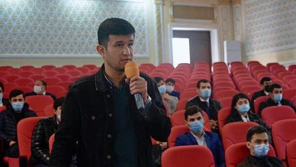 Встреча представителей Министерства образования и Россотрудничества в Таджикистане со студентами - Sputnik Таджикистан