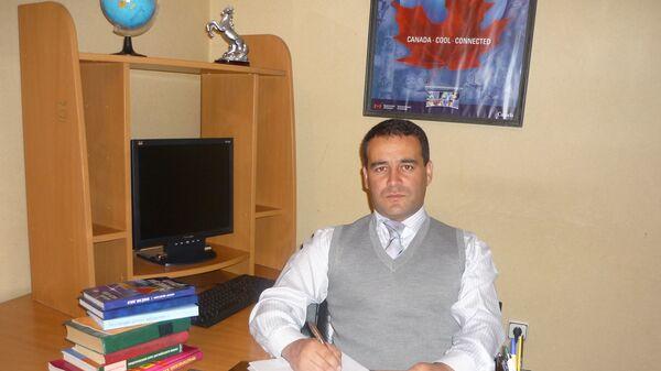 Алишер Мухаммади, поэт, философ, переводчик, кандидат философских наук - Sputnik Таджикистан