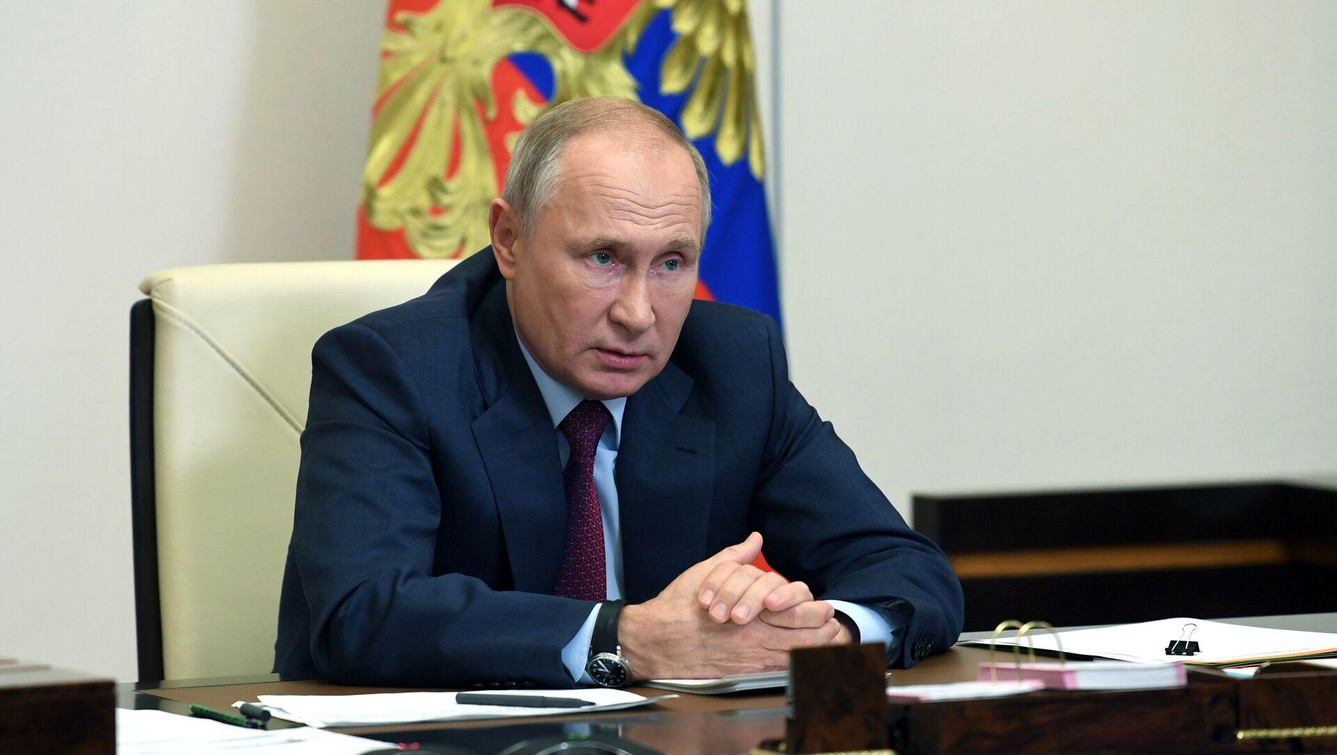 Президент РФ В. Путин - Sputnik Таджикистан, 1920, 20.02.2021