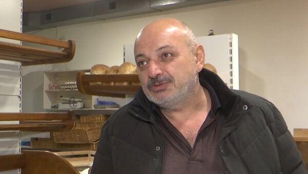 Только ненормальный не будет радоваться миру: люди о жизни в НКР и российских миротворцах - YouTube - Sputnik Таджикистан