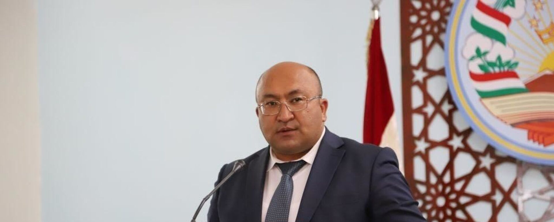 Баховаддин Баходурзода, исполняющий обязанности председателя города Исфара - Sputnik Таджикистан, 1920, 03.05.2021